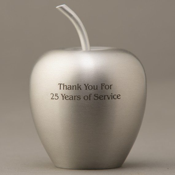 silver-aluminum-apple-present-engraved
